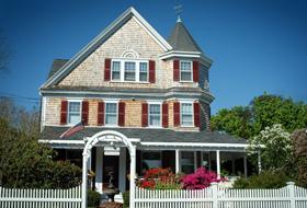 Classic Cape Cod Bed & Breakfast Inn