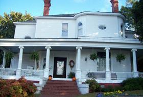 Historic 6-Room Inn