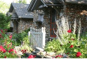 Rock Cottage Gardens B&B Inn